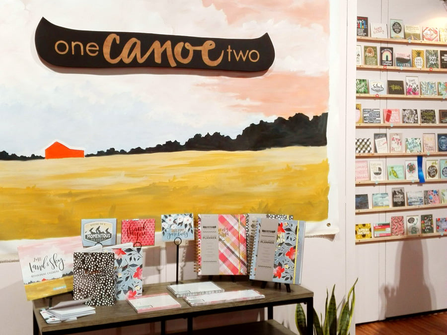 Stand de One Canoe Two en el NSS 2017