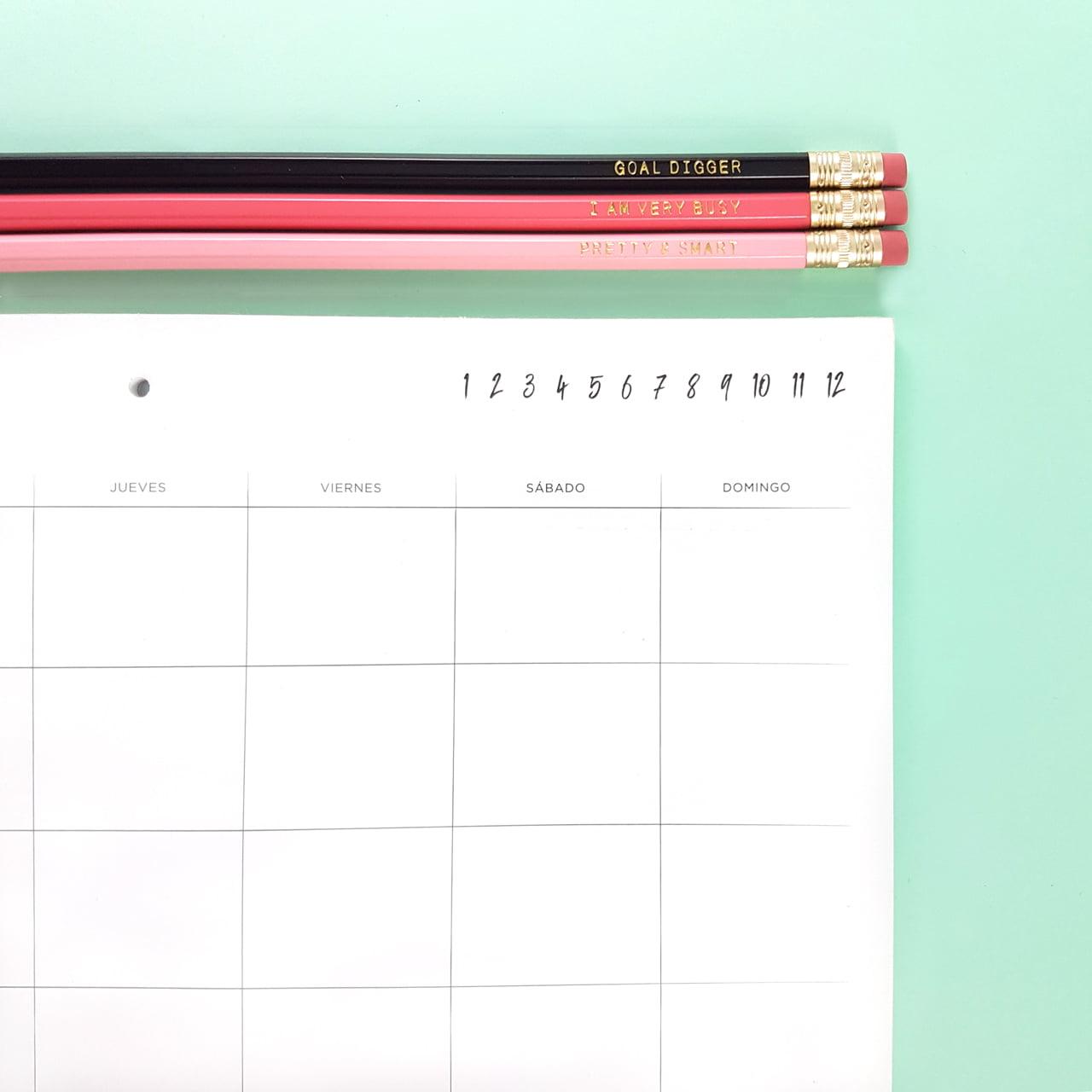 Lápices negro, coral y rosado Frankie & Claude con Monthly Planner Espresso Dulce Compañía